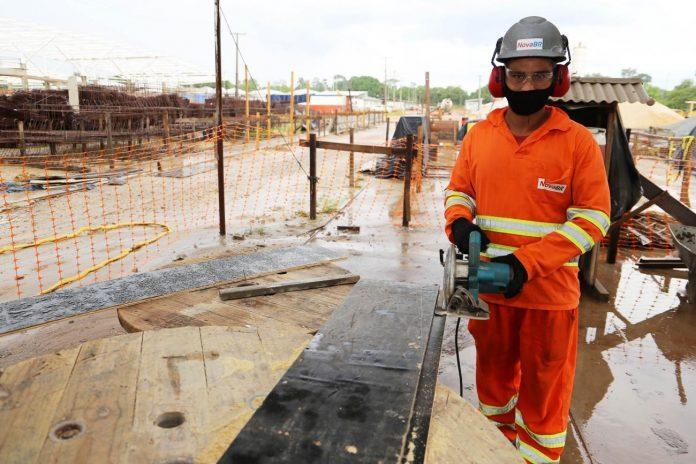 Construção civil lidera a geração de vagas formais no País